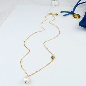 🍃Tory Burch Natural Pearl Pendant Logo Necklace